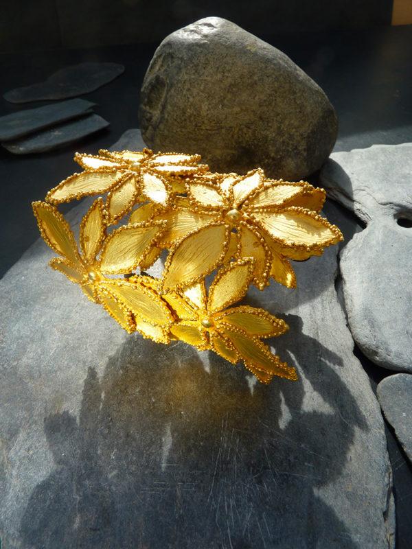 Grande Manchette « feuilles étoilées», motifs - 1995 - Bronze doré à l'or fin 12 ex et 3 EA - © Christophe Tissot
