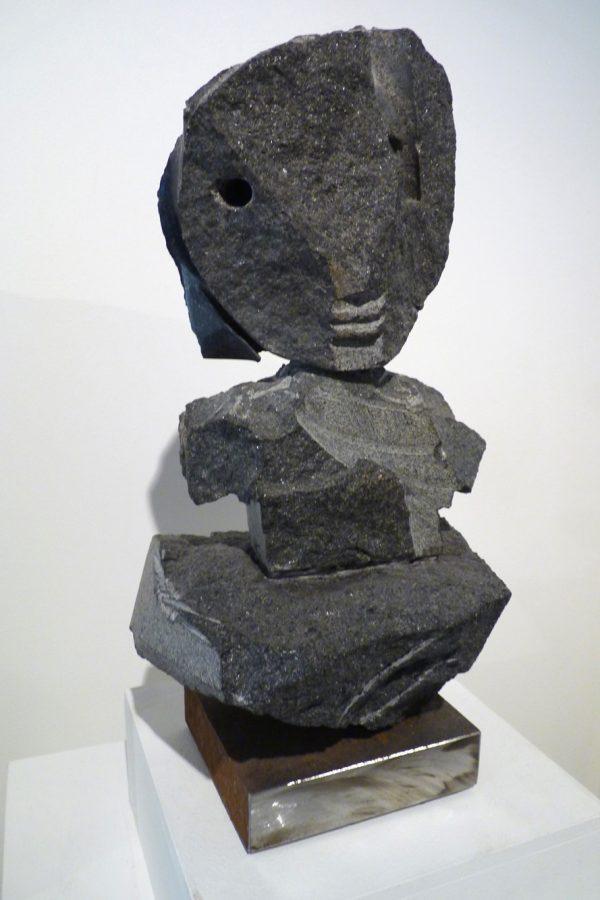 """Jean-Yves GOSTI - """"Janus sur son nuage """" - 2016 - Assemblage de granit noir - 35 x 19 x 20 cm"""