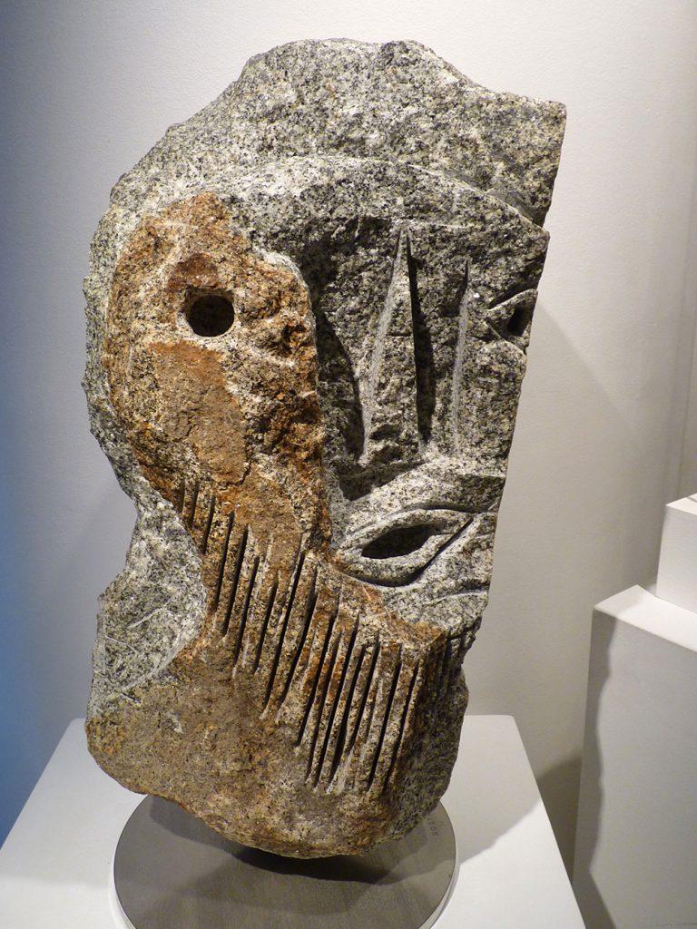 "Jean-Yves GOSTI - ""Janus au masque"" - 2011 - granite (front) 61 x 35 x 27 cm"